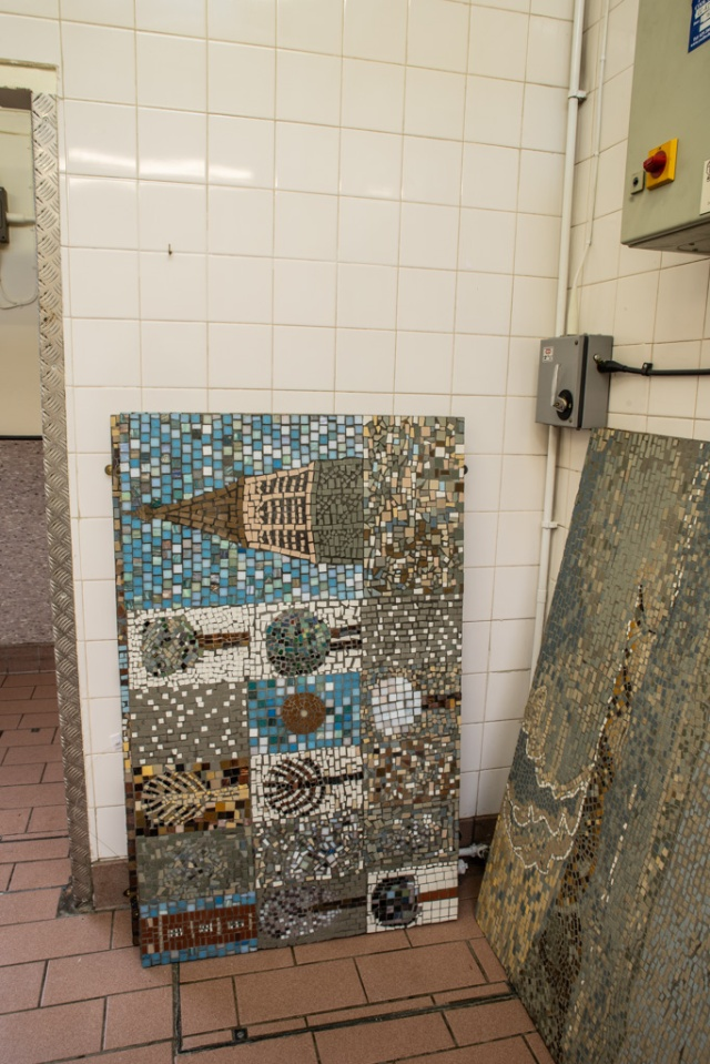 Mosaic panel in kitchen